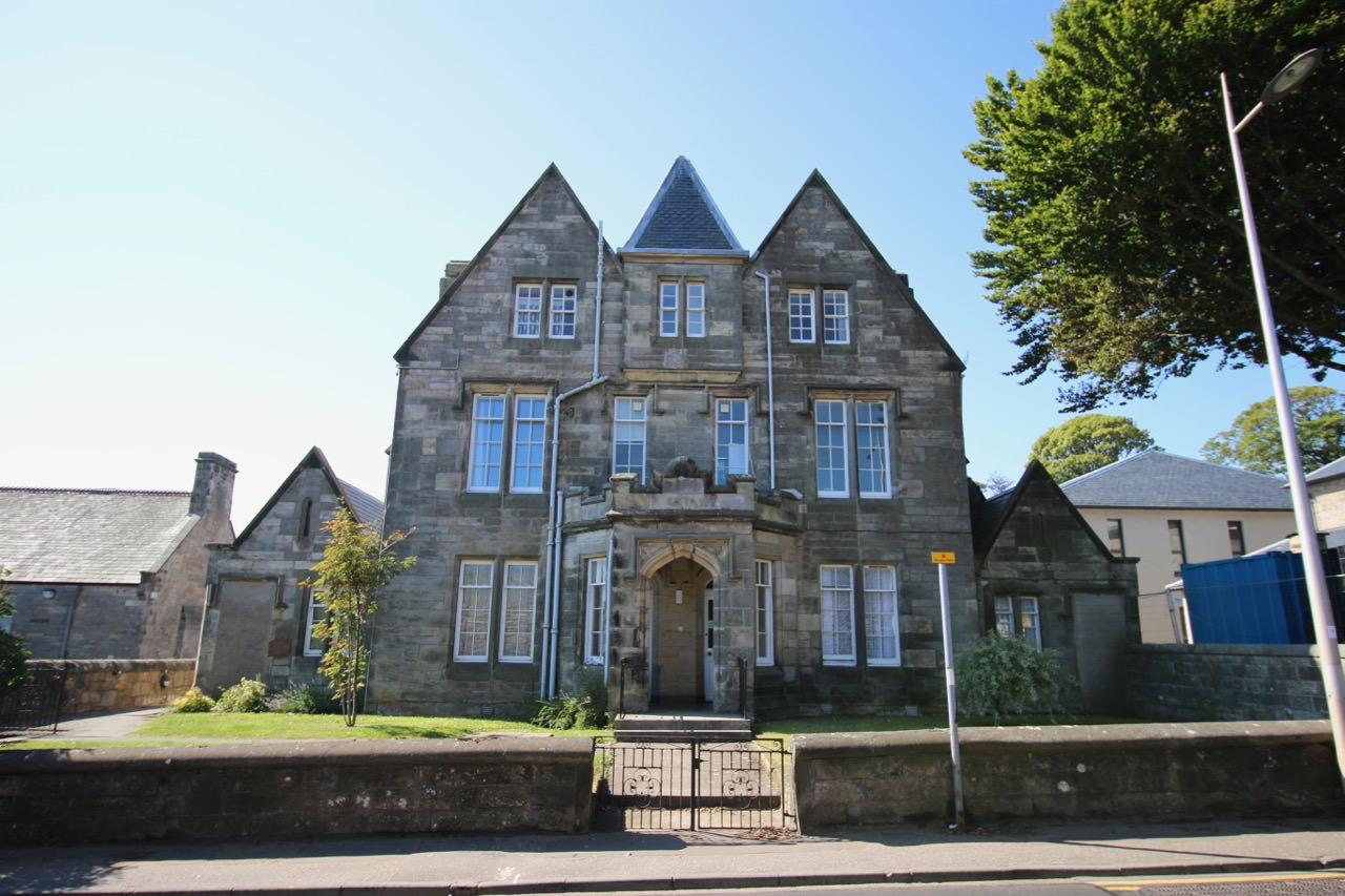 4 Abbey Villa